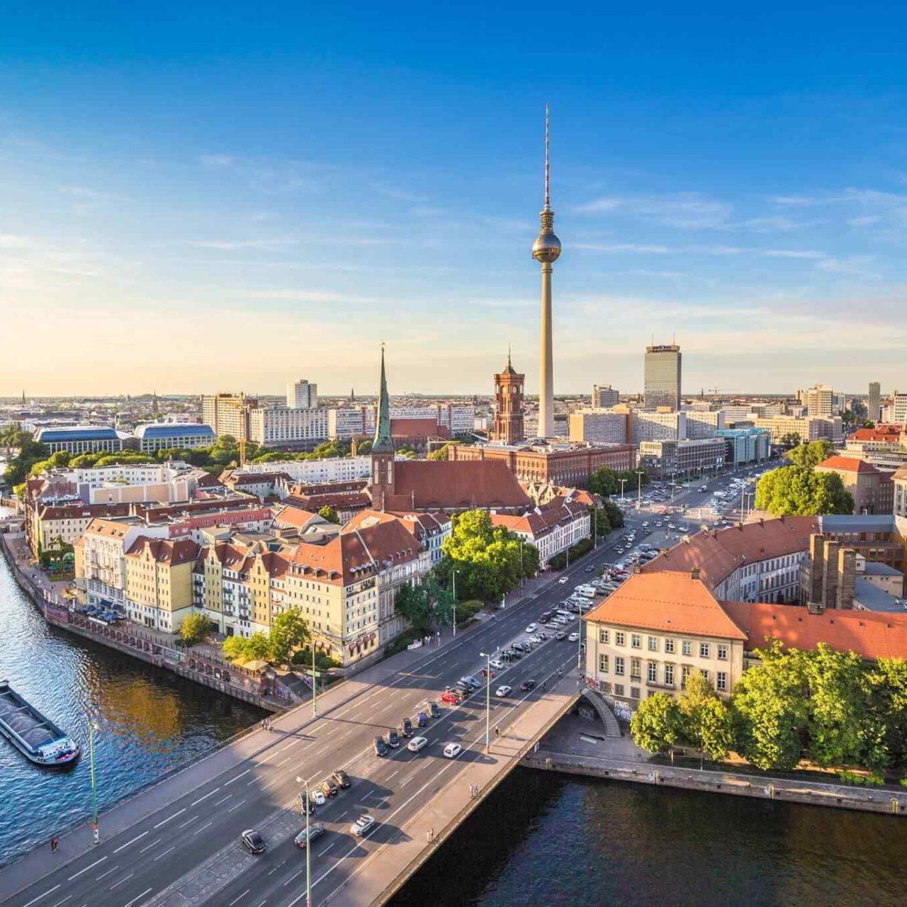 https://classictourbg.com/wp-content/uploads/2018/09/destination-berlin-05-1280x1280.jpg