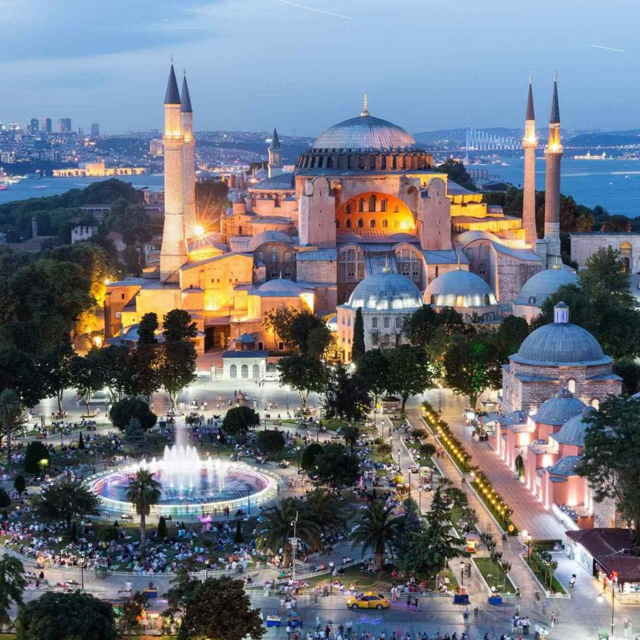https://classictourbg.com/wp-content/uploads/2018/09/destination-istanbul-02-1280x1280.jpg